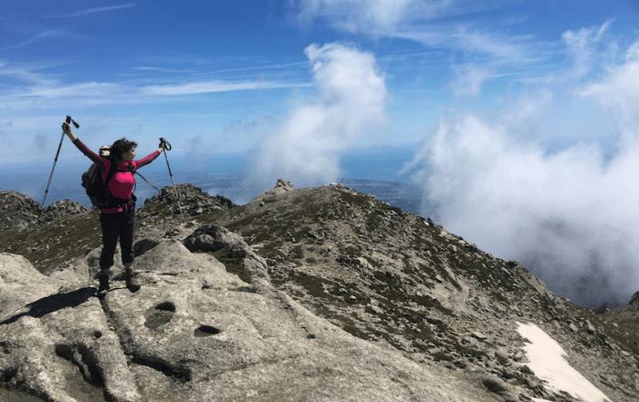 Marion sur une montagne